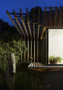 Timber brise-soleil