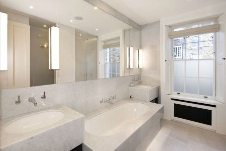 Knightsbridge House, master bathroom