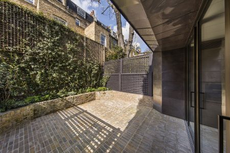 Knightsbridge House, rear courtyard