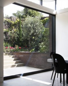 Grove Residence, dining room and external terrace
