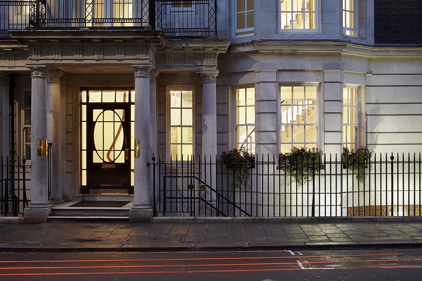 Grosvenor Street, external view of entrance