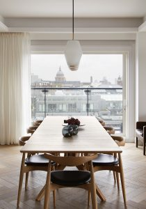 EC1 Penthouse: Dining area with view towards St Paul's Cathedral