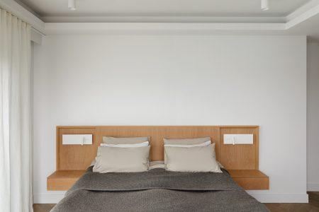 EC1 Penthouse: Bespoke bed head board