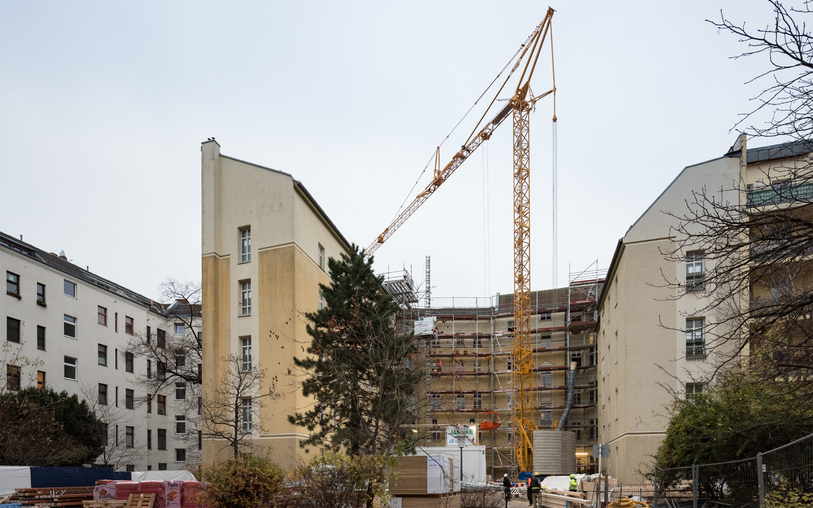 Reinickendorfer 65 & 66, rear courtyard under construction