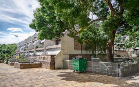 Whittington Estate Apartment: exterior view