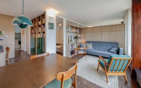 Whittington Estate Apartment: living room