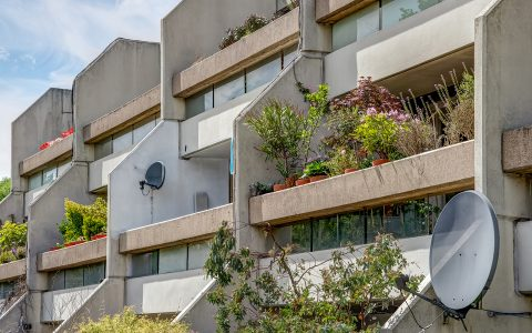 Whittington Estate Apartment: exterior view