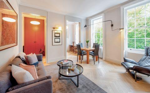 Highbury Apartment: living room