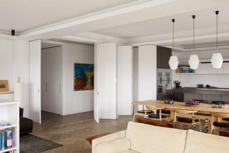 Penthouse, Halb geöffnete Faltwand