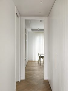 Penthouse, Flur zum Arbeitszimmer