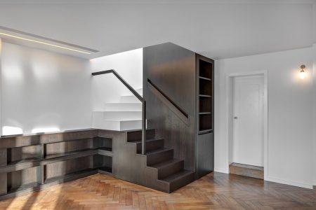 Loftausbau, Treppe integriert in Einbaumöbel