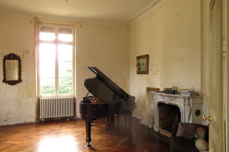 Chateau music room