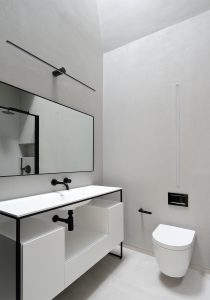 The Bird in Hand Hampstead: bathroom