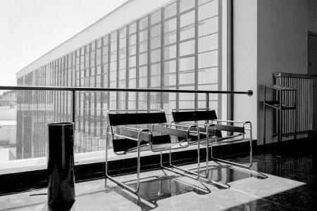 Architektur in einer post-pandemischen Welt: Freischwingerstühle