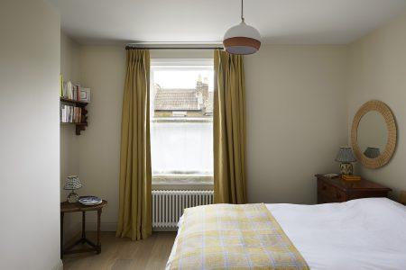 Wandsworth Cottage: bedroom