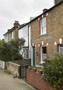 South London Cottage: Street facade