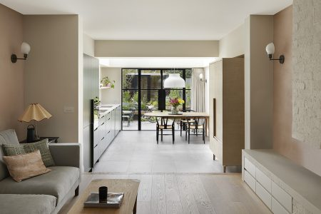 South London Cottage: living and kitchen area