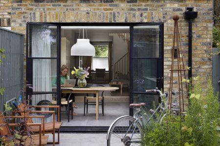 South London Cottage: rear extension