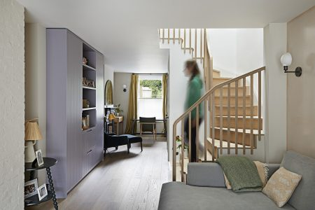 South London Cottage: centre of house